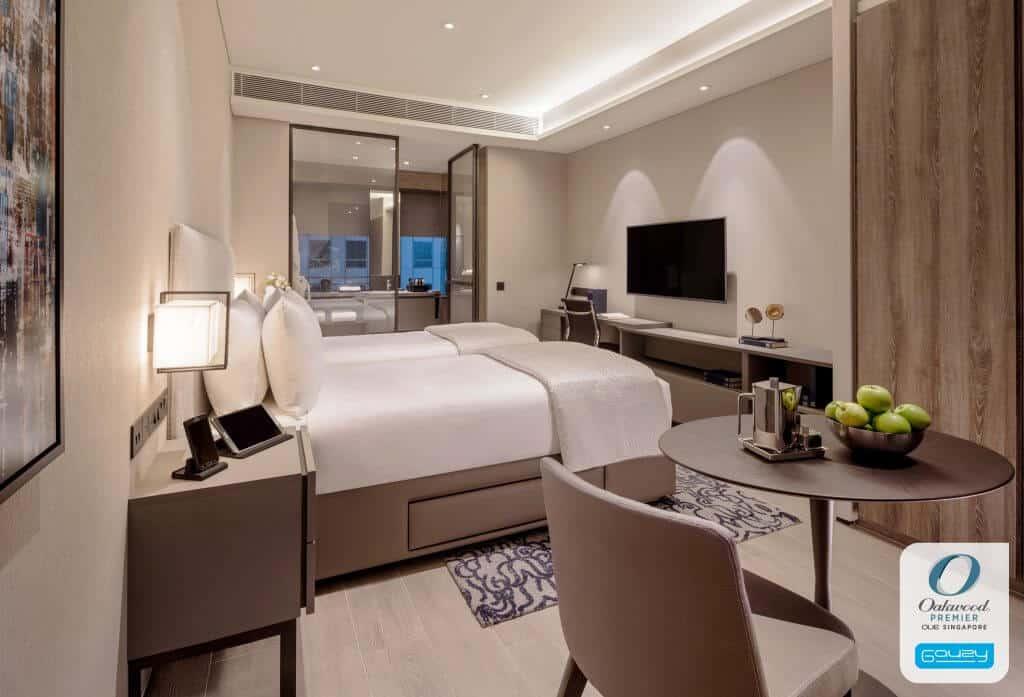 hotel room lcg