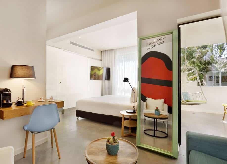smartglass hotel partition