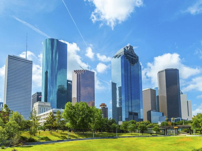 Creating Smart Cities: How Smart Glass Will Evolve to Become Even Smarter and More Sustainable